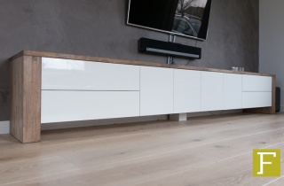 Fijntimmerwerk for Tv dressoir hoogglans wit